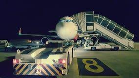 Het vliegtuig in Siem oogst Luchthaven, Kambodja royalty-vrije stock foto's