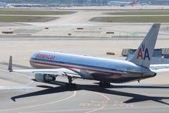 Het Vliegtuig van American Airlines royalty-vrije stock afbeeldingen