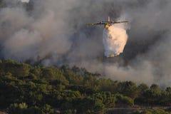Het vliegtuig van de brand Stock Afbeeldingen