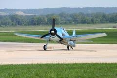 Het Vliegtuig van de Lucht van WO.II op Baan Royalty-vrije Stock Afbeeldingen