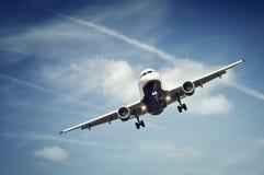 Het vliegtuig van de passagier het landen Stock Afbeeldingen