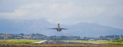 Het vliegtuig van de passagier het opstijgen Royalty-vrije Stock Afbeelding