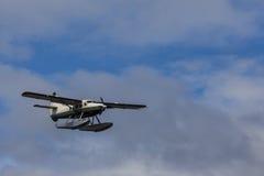 Het vliegtuig van de toeristenvlotter treft om op Tongass te landen voorbereidingen versmalt Royalty-vrije Stock Afbeeldingen