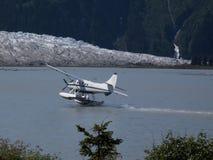 Het vliegtuig van de vlotter het landen Royalty-vrije Stock Foto's