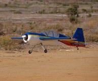 Het vliegtuig van Rc van de schoonheid het landen Stock Foto's