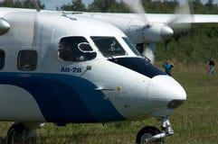Het vliegtuig van Skydiver Stock Afbeeldingen