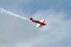 Het vliegtuigkunstvliegen van de lucht Royalty-vrije Stock Fotografie
