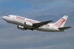 Het vliegtuigstart van Tunisair Royalty-vrije Stock Foto's