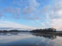 Het vocht van de Sustisrivier, Litouwen stock foto's