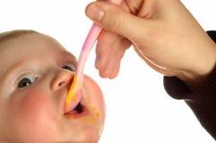 Het voeden van de baby royalty-vrije stock fotografie