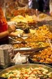 Het voedsel van de straat: Thais keuken kruidig buffet Stock Foto
