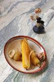 Het voedsel van een eenvoudige, slechte boer stock afbeeldingen