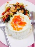 het voedsel voor lunch, diner, ontbijt, braadde ei, garnalen, rijst Stock Foto