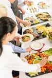 Het voedselbuffet van de catering op commerciële vergadering stock foto