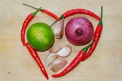Het voedselingrediënt, vormt een hartvorm Royalty-vrije Stock Foto's