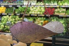 Het voedselschaal van de kruidenierswinkelopslag Stock Foto