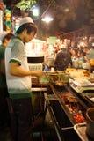 Het voedselverkoper van de straat in China stock afbeeldingen