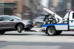Het voertuig van de slepenvrachtwagen stock afbeelding