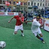 Het Voetbal van de straat Stock Foto's