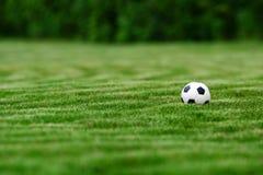 Het voetbalbal van de voetbal Stock Afbeeldingen