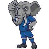Het voetbalmascotte die van de beeldverhaalolifant duim tonen royalty-vrije illustratie