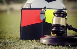 Het voetbalvoetbal beslist het beeld van het verordeningenconcept Royalty-vrije Stock Afbeeldingen