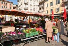 Het voetvierkant in het centrum van Lugano Stock Afbeelding