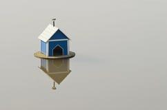 Het vogelhuis van het water Stock Afbeelding