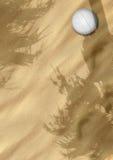 Het volleyball van het strand op zand vector illustratie