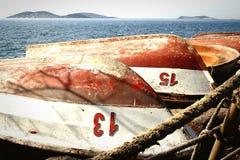 Het voor de winter klaarmaken van vissersboten Royalty-vrije Stock Afbeeldingen