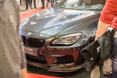Het vooraanzicht van de auto van BMW M6 op de auto van Belgrado toont, 20 Maart, 2 Stock Afbeelding