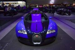 Het vooraanzicht van Veyron van Bugatti Stock Foto's