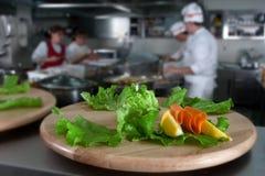 Het voorbereiden van cateringsvoedsel Royalty-vrije Stock Afbeelding