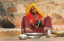 Het voorbereiden van chapati 2 Stock Fotografie