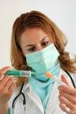 Het voorbereiden van injectieschot Stock Foto's