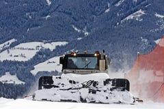 Het voorbereiden van skihelling Stock Foto