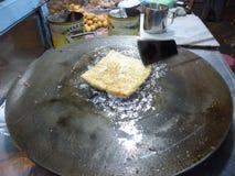 Het voorbereiden van traditionele martabakkeuken Royalty-vrije Stock Fotografie