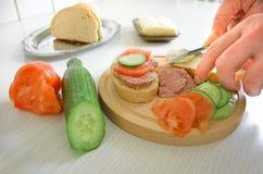 Het voorbereiden van voedsel Stock Foto's