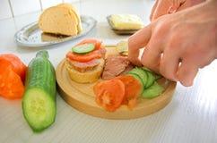 Het voorbereiden van voedsel Stock Foto