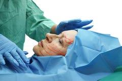 Het voorbereidingen treffen voor kosmetische chirurgie Stock Afbeeldingen