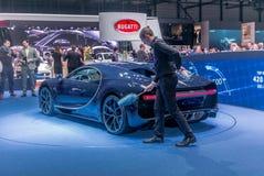 Het voorstellen van Chiron bij de Bugatti-tribune bij de Internationale de Motorshow van Genève stock fotografie