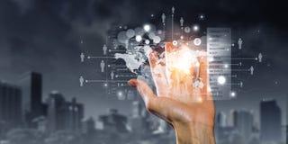 Het voorstellen van draadloze technologieën Gemengde media Stock Foto