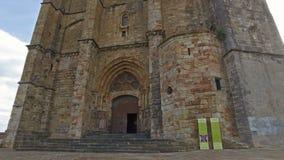 Het vooruitgaan naar de Kathedraal van Castro Urdiales 20 stock videobeelden