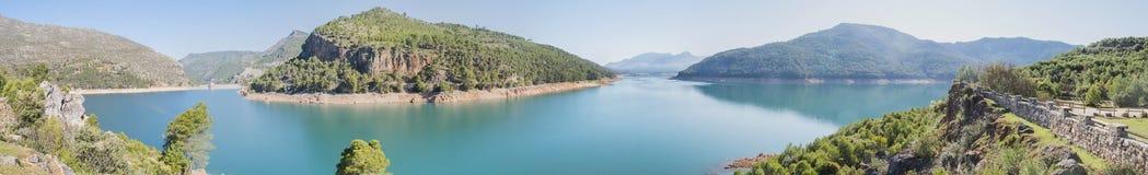 Het vooruitzicht van controleviejo, de rivier van Guadalquivir, Cazorla Natuurreservaat, stock foto