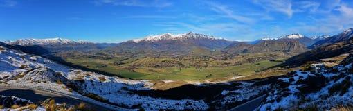 Het Vooruitzicht van de kapiteinsweg, die een overweldigende mening van het omringen van bergketen aanbieden stock foto