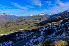 Het Vooruitzicht van de kapiteinsweg, die een overweldigende mening van het omringen van bergketen aanbieden stock afbeeldingen