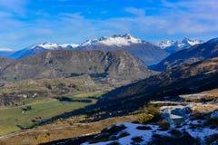 Het Vooruitzicht van de kapiteinsweg, die een overweldigende mening van het omringen van bergketen aanbieden royalty-vrije stock afbeelding