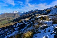 Het Vooruitzicht van de kapiteinsweg, die een overweldigende mening van de Vlakke en omringende bergen van Speargrass aanbieden stock afbeelding