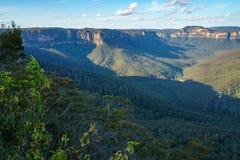 Het vooruitzicht van de valleimening, blauw bergen nationaal park, Australi? 1 stock foto's