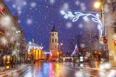 Het vooruitzicht van Kerstmisgediminas, Vilnius, Litouwen royalty-vrije stock foto